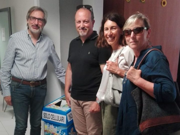Ricicla il tuo cellulare e salva l'ambiente: a Lecce la campagna del JGI Italia