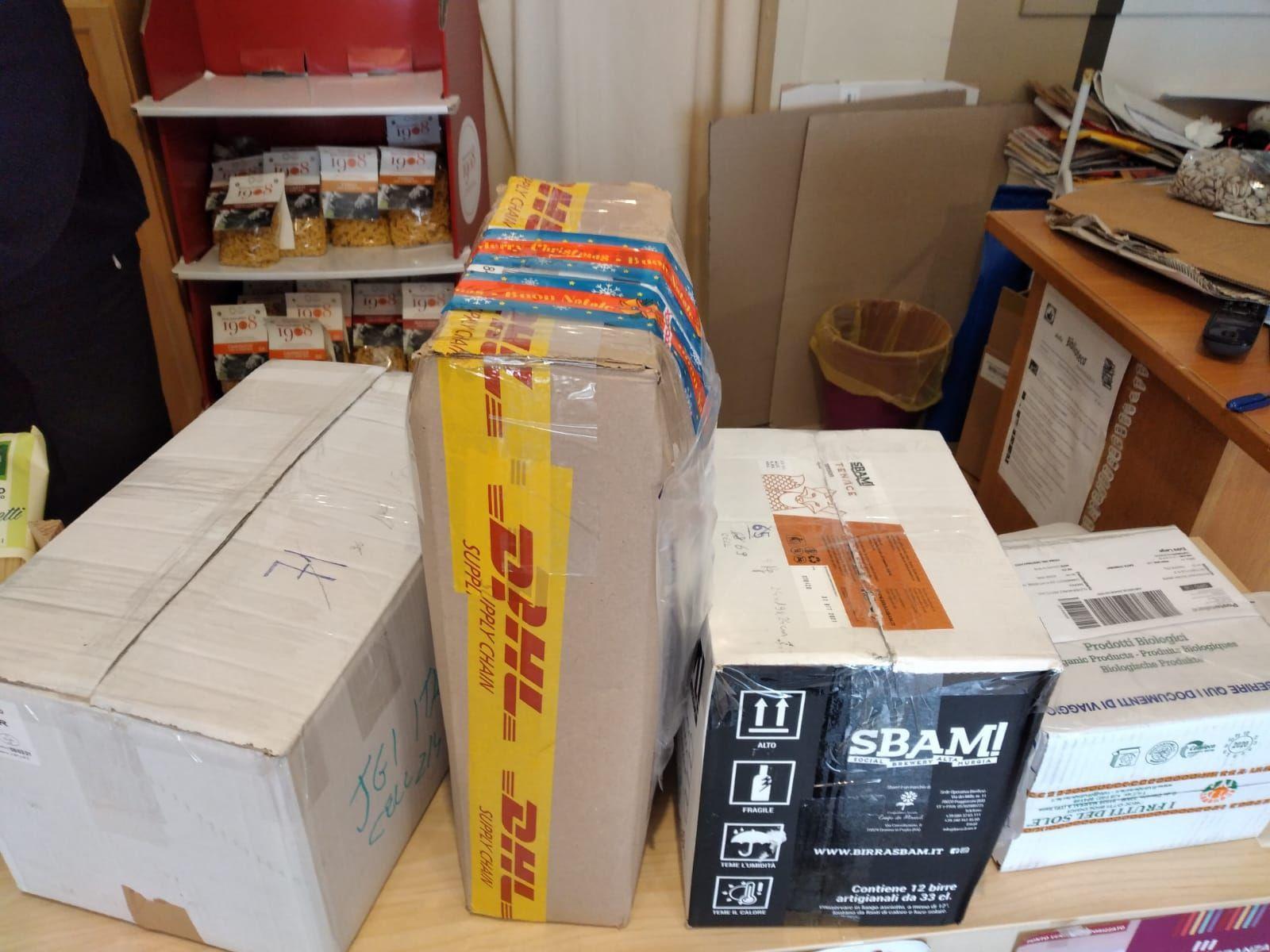 Cellulari usati donati alla Campagna JGI peril riciclo dei cellulari usati da Buongiorno Buona Gente - Trieste